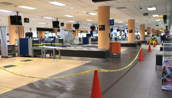 Se reportaron daños en el aeropuerto internacional Jorge Chávez tras sismo de 6,0 en Lima. (Foto: Hugo Curotto / GEC)