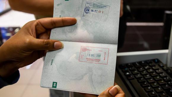 En los países de la Comunidad Andina en el aeropuerto del país de destino le entregarán la tarjeta andina de migración (TAM) como documento de identificación durante todo su viaje. (Foto: Andina)