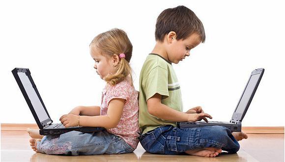 Uso constante de pantallas generaría miopía en niños