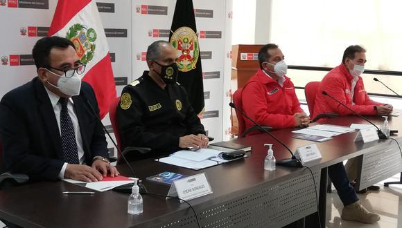 Como representante del Ministerio Público estuvo presente el fiscal coordinador de las fiscalías contra el crimen organizado, Jorge Chávez Cotrina, y por el Minsiterio del Interior estuvo su titular, César Gentille. (Foto: Mininter)