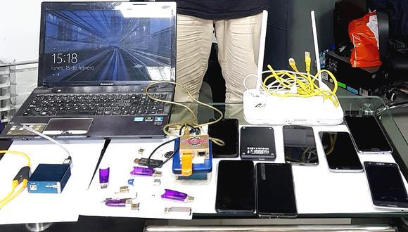 Estos implementos que utilizaba para adulterar o clonar los IMEI de celulares robados incautó la Policía al detenido.