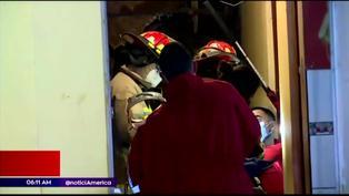 Chorrillos: Derrumbe de cerro deja dos personas atrapadas en vivienda
