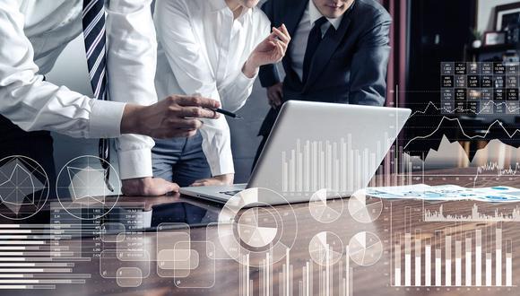 El auge del comercio virtual, la dependencia de la tecnología para la comunicación o la necesidad de tener un sistema sanitario fuerte generará mayor demanda en las profesiones relacionadas al sector tecnológico. (Foto: iStock)