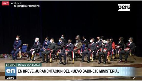 Castillo encabezó este jueves la juramentación del Gabinete Ministerial a cargo de Guido Bellido. (Foto: TV Perú)