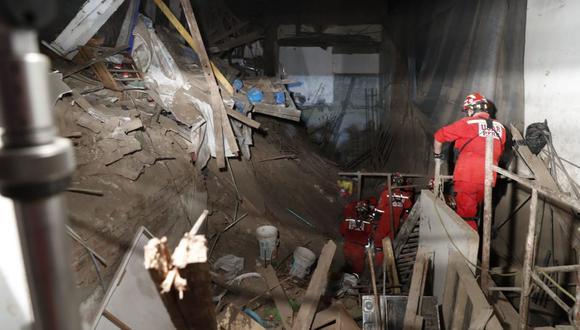 Los bomberos trabajaron por más de 16 horas para rescatar a José Martín Huerto Garrido. (Foto: Hugo Perez / @photo.gec)