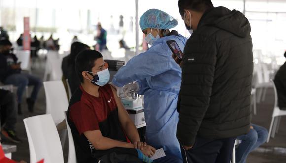 En setiembre la meta es llegar a 13 millones de vacunados contra el COVID-19, mediante la estrategia Vamos a tu encuentro ¡vacúnate ya!, afirmó presidente Pedro Castillo. (Foto: Britanie Arroyo / @photo.gec)