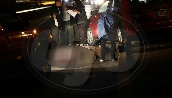 Dos vehículos atropellaron a joven en el Callao (FOTOS)
