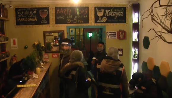 Cusco: intervienen bares clandestinos y encuentran a personas que no respetaban las medidas de bioseguridad (Foto: captura de video)