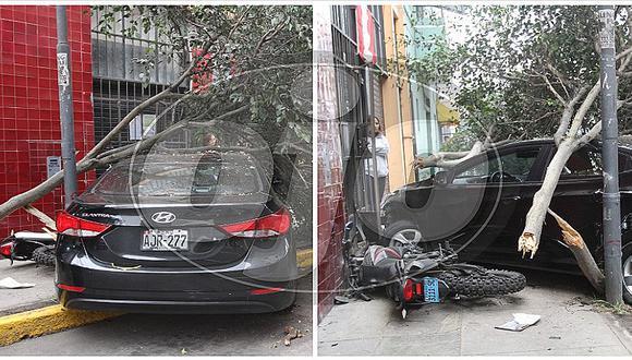 Cercado de Lima: chofer ebrio choca contra casa y arrastra una motocicleta