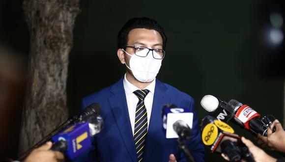El abogado Paulo Muñoz declaró a la prensa el último miércoles. (Foto: GEC)