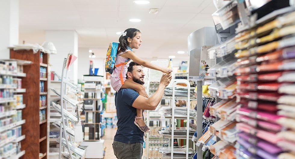 Elige la mejor alternativa para poder hacer frente a las compras escolares.