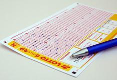 Un anciano gana 'por error' más de 160 mil dólares jugando a la lotería