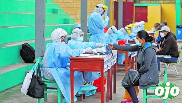 El Centro de Epidemiología, Prevención y Control de Enfermedades (CDC) pidió a los organismos monitorear conglomerados para detectar eventuales brotes de COVID-19. (GEC)