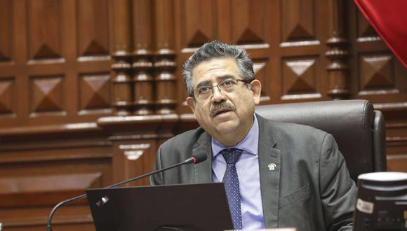 Manuel Merino pidió al ministro del Interior, José Elice, se determinen responsabilidades de funcionarios de Migraciones. (Foto: Andina)