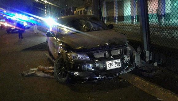 Cercado de Lima: Conductor pierde el control e invade carril contrario en Vía Expresa (VIDEO)