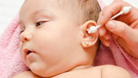 ¿Limpias las orejas de tus niños con hisopo? ¡Ten cuidado!