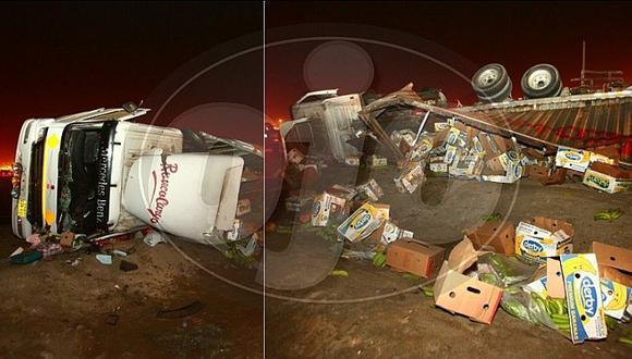 Ancón: Tráiler cargado de frutas pierde el control y se vuelca en la Panamericana Norte (FOTOS)
