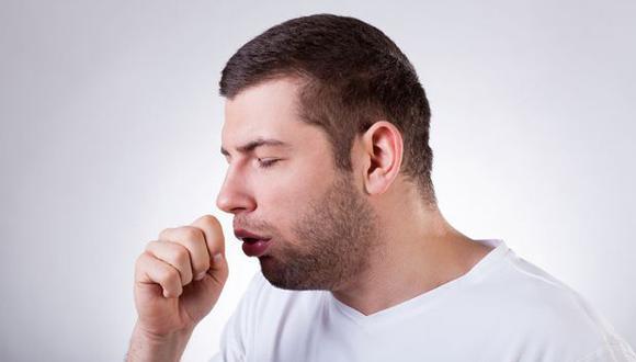 ¿Cuántos metros puede alcanzar la saliva cuando toses o estornudas? (Foto: Redacción Médica)
