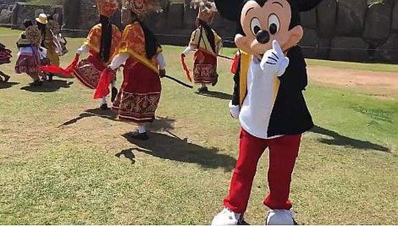 Mickey Mouse celebra su 88 aniversario y así lo festejó en la ciudad del Cusco (VIDEO)