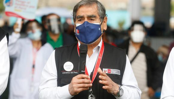 El ministro de Salud, Óscar Ugarte, reiteró que la vacuna china Sinopharm tiene una efectividad en 90% contra el riesgo de muerte por COVID-19. (Foto: Minsa)