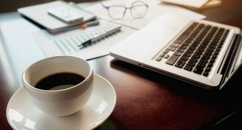 ¿Bueno o malo? Estudios muestran cómo influye el café en el trabajo