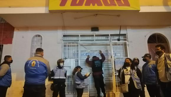 Fiscalizadores de la Municipalidad del Callao clausuraron el local. (Foto: Municipalidad del Callao)