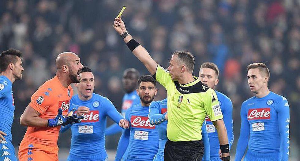 Nápoles: árbitro nos robó penal y le regaló penales a Juventus