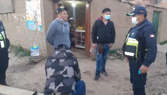 Puno: sujetos ebrios acusados de agredir a transeúnte fueron detenidos por serenazgo (Foto: captura de pantalla)