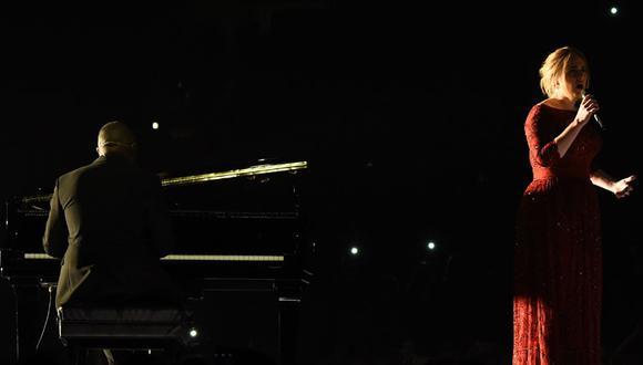 Grammy 2016: Adele pasó tremendo roche en plena presentación [VIDEO]
