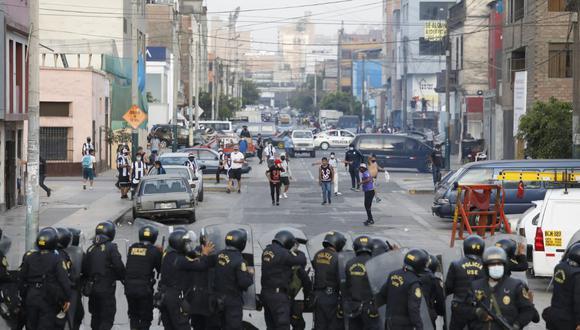 Alianza Lima perdió esta tarde por 2 a 0 contra Sport Huancayo y descendió a la segunda división del fútbol peruano junto a Deportivo LLacuabamba y Atlético Grau. (Foto: César Bueno)