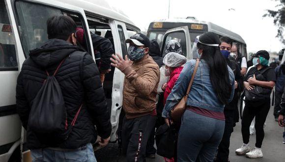 Vizcarra indicó que la mascarilla es necesario para la protección ante el COVID-19. Sin embargo, muchas personas harán uso del transporte urbano. Por ello, pidió que se usen los protectores faciales.  (Foto:GEC)