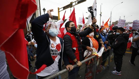 Simpatizantes de Fuerza Popular organizaron una marcha en distintos puntos de Lima a favor de la democracia. (César Bueno @photo.gec)