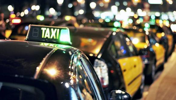Amantes piden un taxi sin saber que el chofer terminaría siendo el esposo de la mujer