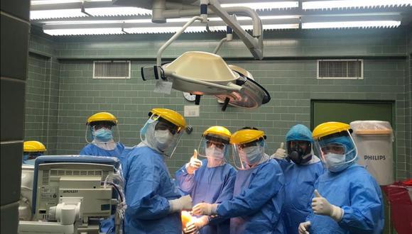 Médicos de EsSalud Junín realizaron la primera operación quirúrgica a niño con COVID-19. (Foto: EsSalud)