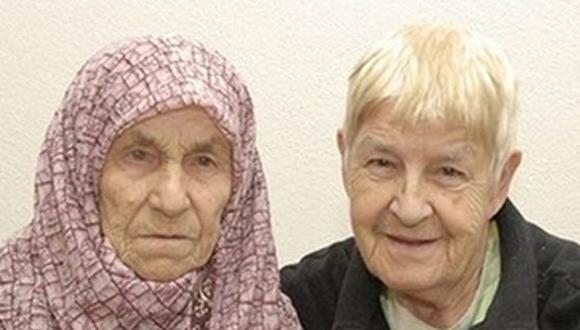 Hermanas se reencuentran después de 72 años gracias a Facebook