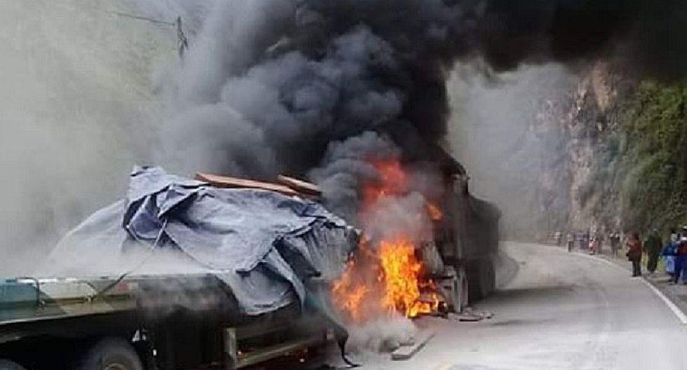 Choque frontal de camiones en Pasco registra un muerto (FOTO Y VIDEO)