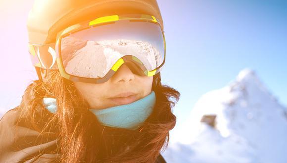 El especialista recomienda llevar gafas de sol homologadas que tengan todos los filtros protectores adecuados para prevenir los rayos UV. (Foto: Difusión)
