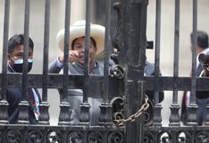 """""""Ponte a trabajar, amigo"""": mujer le grita a Pedro Castillo en el día de su cumpleaños"""