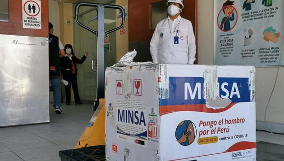 Arequipa: el equipo de congelación de la Geresa tiene una capacidad de 480 litros y fue validado por  Tulio Pérez Damián, representante de Cenares. (Foto: Geresa Arequipa)