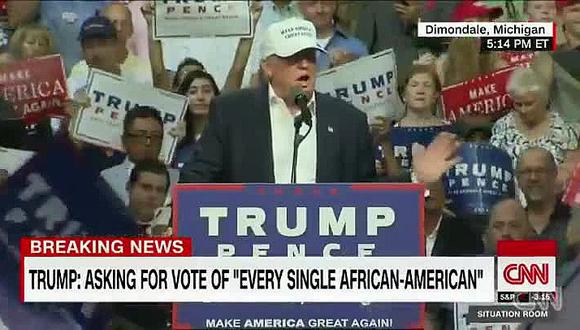 """Donald Trump corteja a voto negro en iglesia de Detroit y va a """"escuchar"""""""