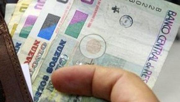 Gobierno sigue meciendo con aumento del sueldo mínimo