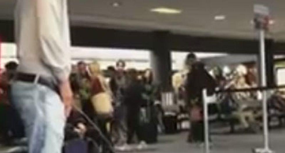 Actor de Crepúsculo es detenido por orinar borracho en aeropuerto