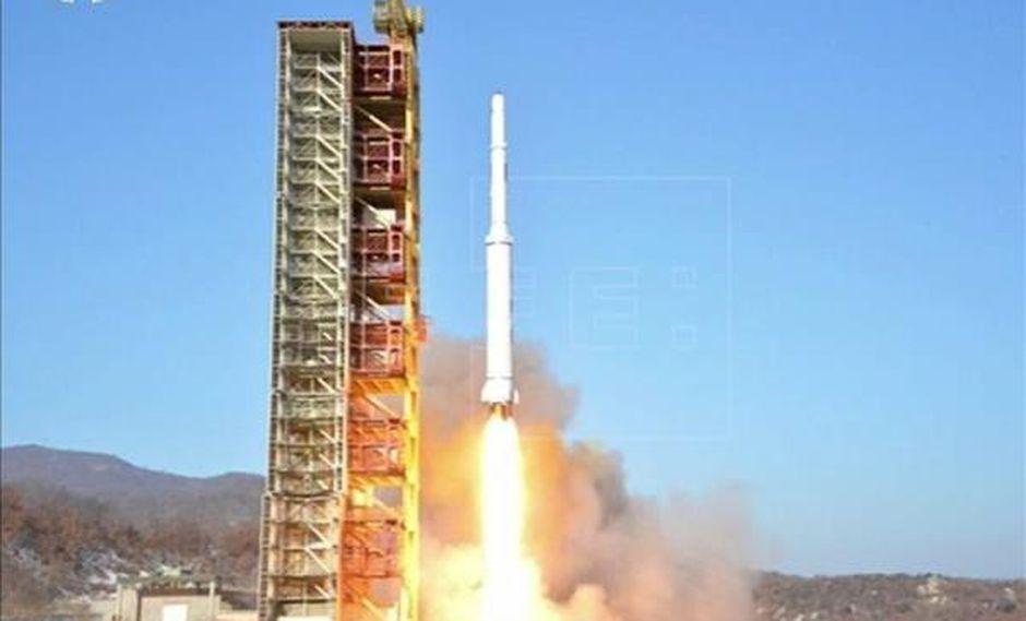 Corea del Norte pone en órbita con éxito un satélite espacial