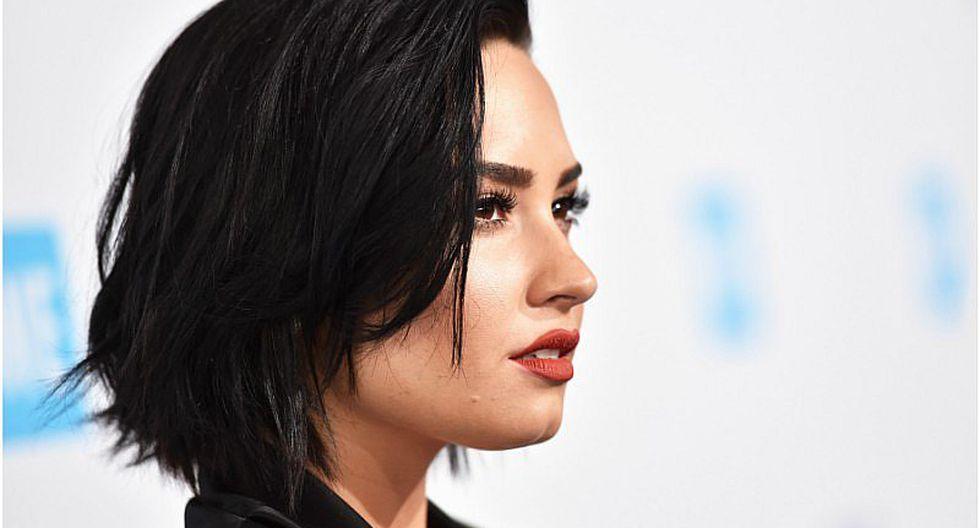 Demi Lovato lució fashion con sensual maquillaje [FOTO]