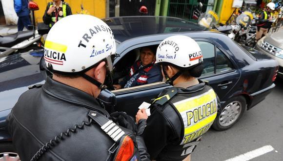 Policía detiene a 2 mil conductores ebrios y todos se quedan sin brevete
