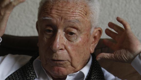 Salazar Larraín tuvo una participación en la política peruana llegando a ser parlamentario por el Movimiento Renovación Nacional de 1995 hasta el año 2000. (Nancy Dueñas)