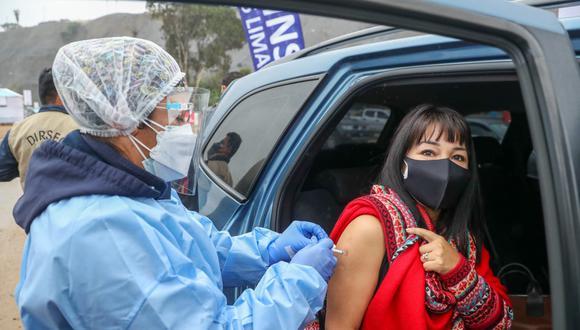 El titular de Salud sostuvo que la Vacunatón continuará porque se ha demostrado que dan resultado, pues elevan significativamente las cifras de vacunados (Foto: Andina)