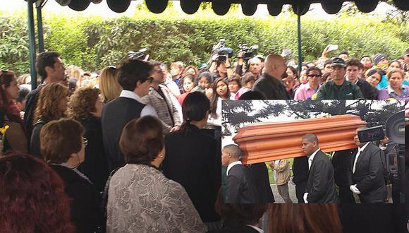 Ricky Tosso: Fans se desesperan por tocar su ataúd durante funeral [VIDEO]