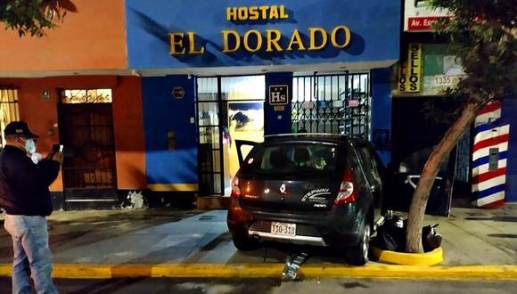 Según las autoridades locales el conductor del vehículo salió ileso del accidente pero mostraba visibles síntomas de ebriedad. (Foto: Seguridad Ciudadana de Trujillo)