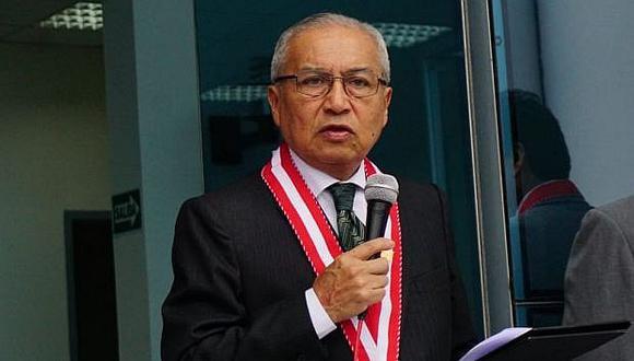 Pedro Chávarry sigue en la Fiscalía pese a presentar renuncia